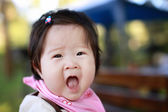 ładny hapy małe dziecko dziewczynka — Zdjęcie stockowe