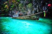 Long boat at railay in Krabi, Thailand — Stock Photo