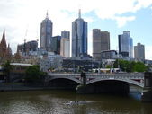 Bridge over Melbourne's Yarra river — Stock Photo