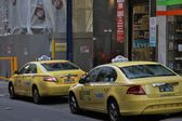 Taxi cabs in Melbourne cbd — Stock Photo
