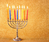 Chanoeka menorah met kaarsen branden — Stockfoto