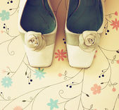 Top view of vintage fashion shoes. image is retro filtered. — Stock Photo