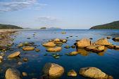 Камни на море — Стоковое фото