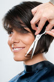 Cutting hair — Stockfoto