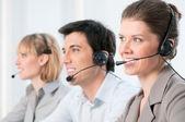 Mutlu çağrı merkezi operatörleri — Stok fotoğraf