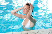 Summer relax at pool — Stock Photo