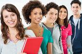 Groep gelukkige studenten — Stockfoto