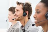 Mutlu telefon operatörleri — Stok fotoğraf