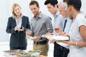 Birlikte yemek olan iş — Stok fotoğraf