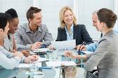 Szczesliwym biznesem spotkania — Zdjęcie stockowe