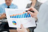 Närbild av business diagram — Stockfoto