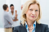 Ritratto di donna d'affari senior — Foto Stock