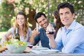 Bicchiere drink uomo del vino — Foto Stock