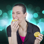 Woman with lemon — Stock Photo