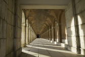 Ancient exterior hallway of Royal Palace in Aranjuez — Stock Photo