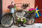Flower Decorated military Bike In Defense area Stockholm — Stock Photo