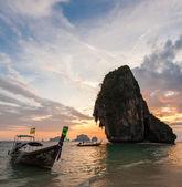 Thai boats at Pranang beach during sunset — Stock Photo