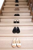 Zapatos en las escaleras — Foto de Stock
