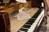 Abandoned Piano — Stock Photo