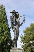 青铜雕塑: 死神与少女 — 图库照片