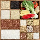 Assorted rice in wooden box — Foto de Stock