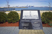 Teardrop Memorial Monument — Stock Photo