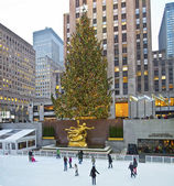 Rockefeller Center Tree and Rink — Stock Photo