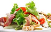 овощной салат с сыром и фасоли — Стоковое фото