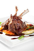 Lamb Chops and Vegetables — Stock Photo