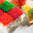 Tobiko Rainbow Roll — ストック写真