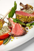 Lamb Chops and Vegetables — Stockfoto