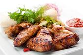 烧烤鸡翅膀 — 图库照片
