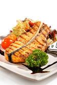 Balık yemekleri - somon steak — Stok fotoğraf