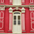 Red facade in chinatown, singapore — Stock Photo