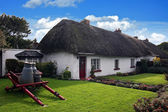 Irish traditional cottage house of Adare — Stock Photo