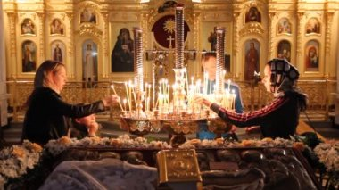Wax candles in the church. The Russian Orthodox Church — Stock Video #12723576