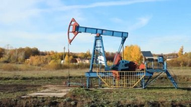 Oil production. oil pumps — Stock Video