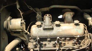 Old tractor motor running — Stock Video