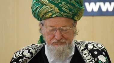 Talgat Tadzhuddin - chief Mufti of Russia — Stock Video
