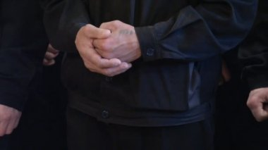 Legs and arms of prisoners — Stock Video
