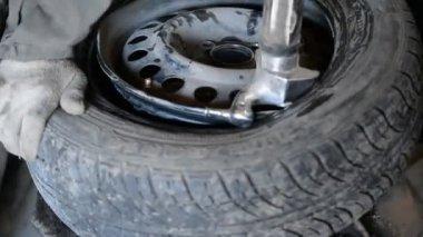 Tire wear on the wheel — Stock Video