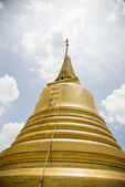 Golden pagoda in Wat Sraket Thailand3 — Stock Photo