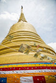 Golden pagoda in Wat Sraket Thailand2 — Stock Photo