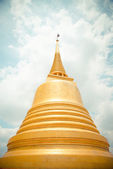 Golden pagoda in Wat Sraket Thailand1 — Stock Photo