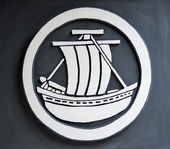 Boat symbol on the wall — Foto de Stock
