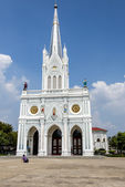 White catholic church in Samutsongkram Thailand1 — 图库照片