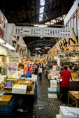 Walking in Tsukiji fish market Japan — Stock Photo