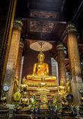 Altın buddha heykeli vardır Budist temple2 — Stok fotoğraf