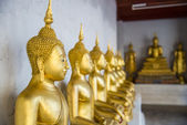 Row of Buddha statue in the Thai temple4 — Stock Photo