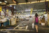 HAKODATE, JAPAN - JULY 20 Tourist walk in Morning market on July — ストック写真